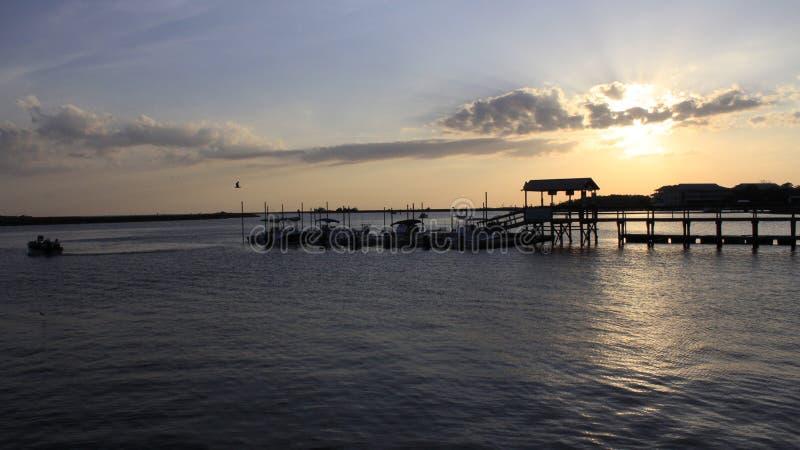Paisible au dock de bateau photos stock