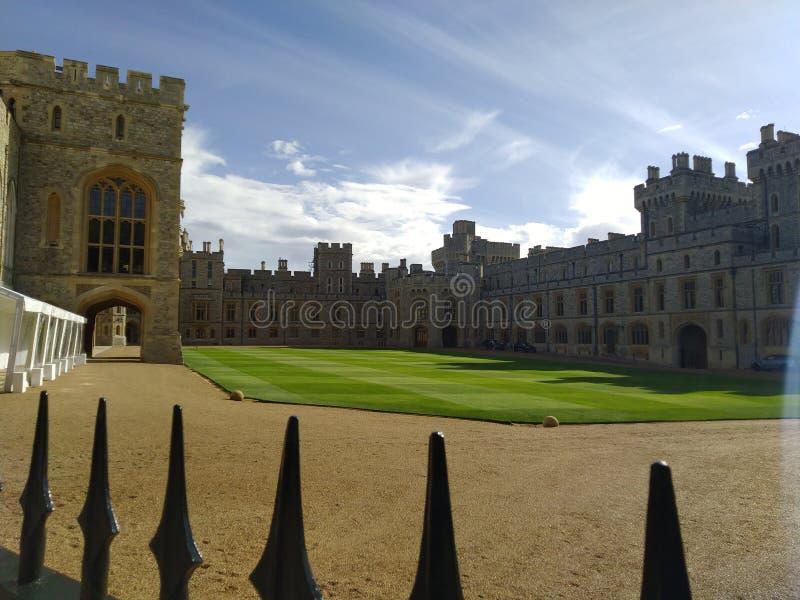 Paix dans le ch?teau de Windsor ? l'int?rieur de la vue Royaume-Uni photographie stock libre de droits