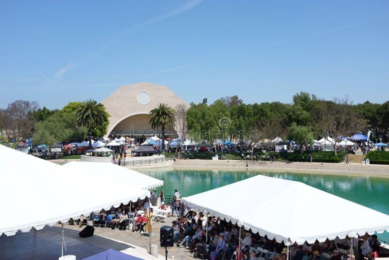 Paix-lac d'université et centre de récréation vu des fondateurs Hall pendant le festival international image stock