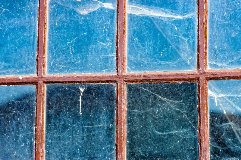 Pajęczyny na starym Windows zdjęcie royalty free