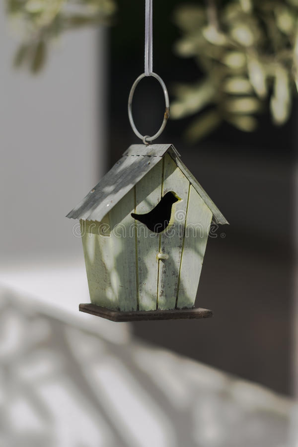 Pajarera decorativa en estilo del vintage imagen de archivo libre de regalías