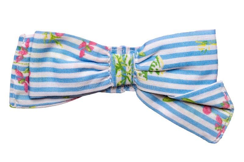 Pajarita aislada Primer de la corbata de lazo rayada azul elegante decorativa con un estampado de flores aislado en un fondo blan imagen de archivo