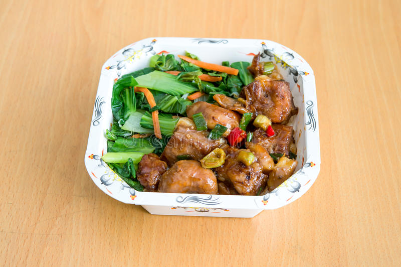 PAK-choi (brassica Linn chinensis) et poulet photos libres de droits