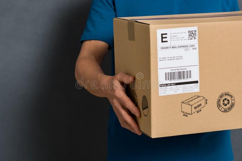 Paket bereit zum Versand lizenzfreies stockbild