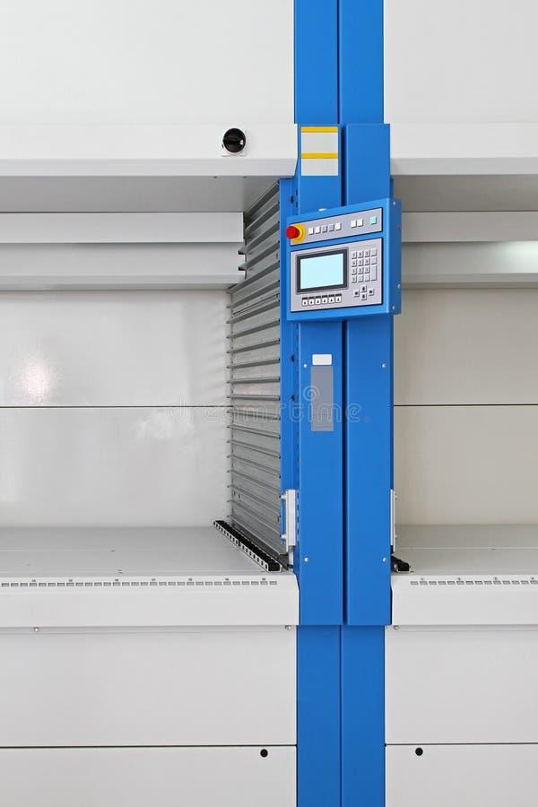 Download Pakhuiscomputer stock foto. Afbeelding bestaande uit plank - 39116690