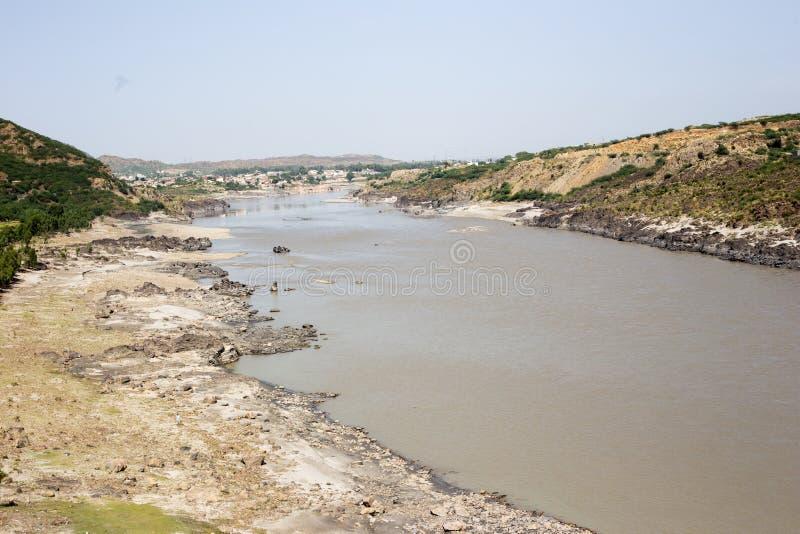 Pakistan-Fluss Kabul-Ansicht in Angriff stockfotografie