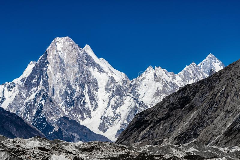 Pakistan Karakoram K2 som trekking royaltyfria bilder