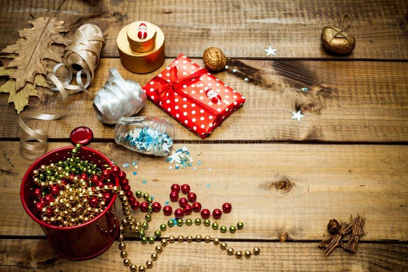 Pakować boże narodzenie prezenty obrazy royalty free