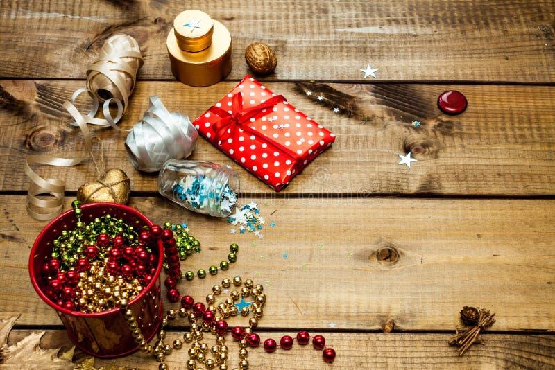 Pakować boże narodzenie prezenty obraz royalty free