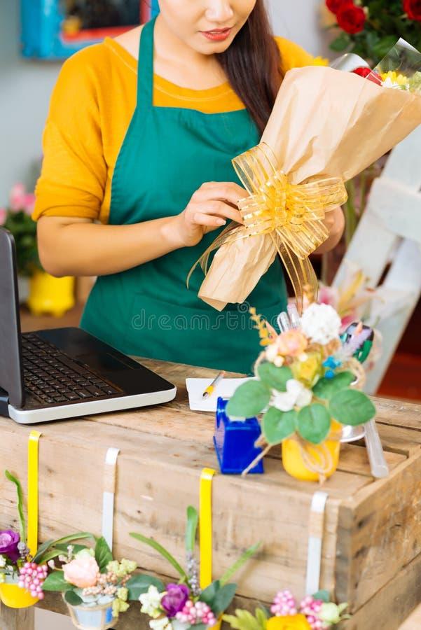 Pakować kwiaty obrazy stock