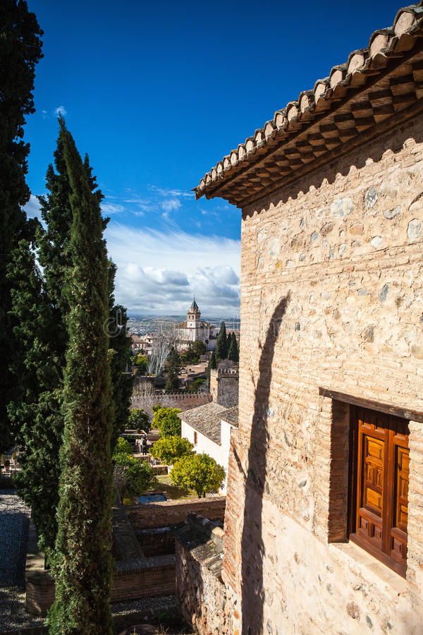 Palácio árabe em Granada fotos de stock