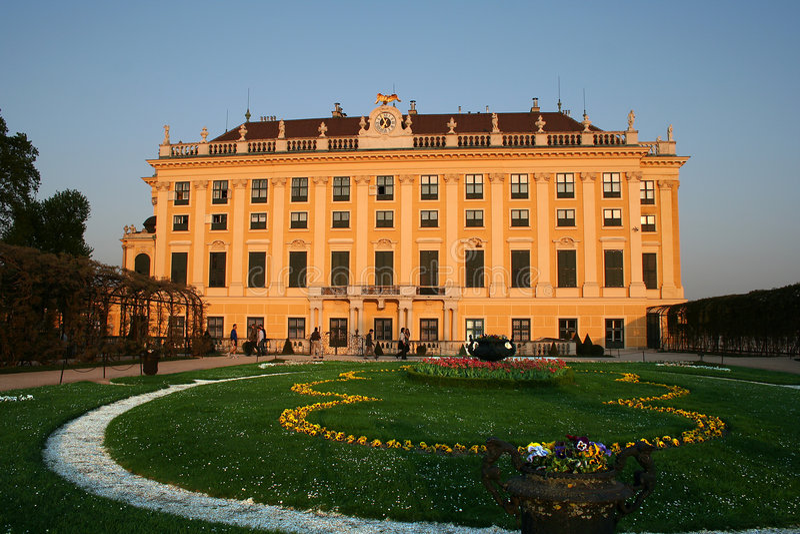 Palácio bonito de Schoenbrunn em Viena/Austri foto de stock royalty free