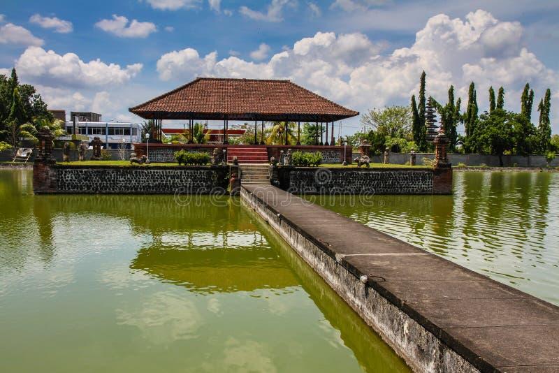 Palácio da água de Mayura - Mataram, Lombok, Indonésia imagem de stock royalty free