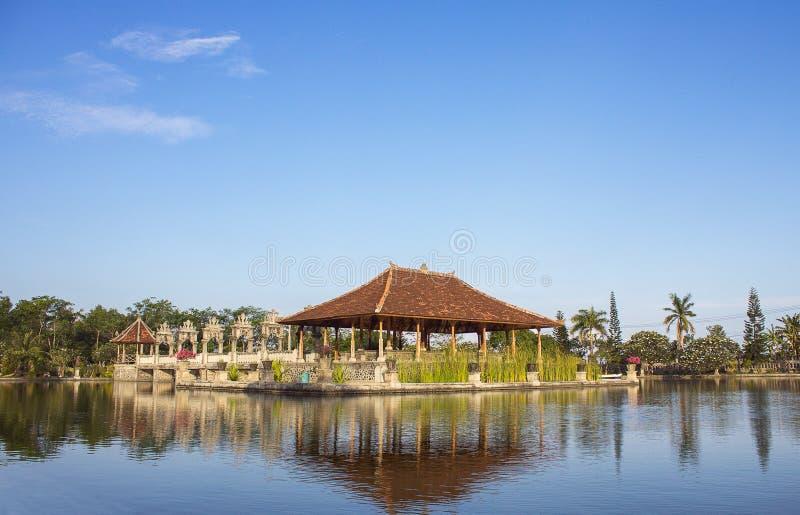 Palácio da água em Bali foto de stock royalty free