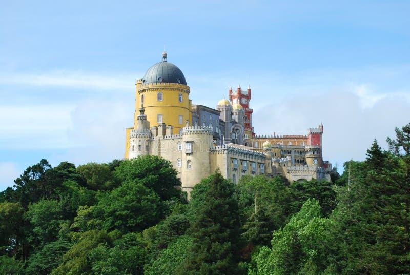 Palácio da opinião da paisagem de Pena em Sintra foto de stock royalty free