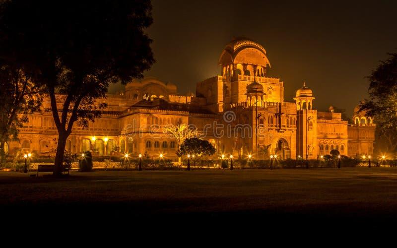 Palácio de Bikaner na noite imagens de stock royalty free