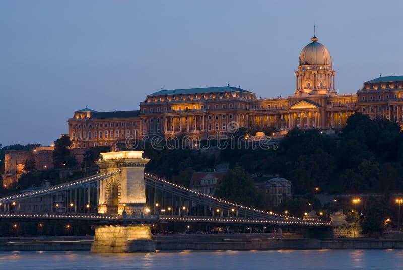 Palácio de Buda e ponte chain imagens de stock royalty free