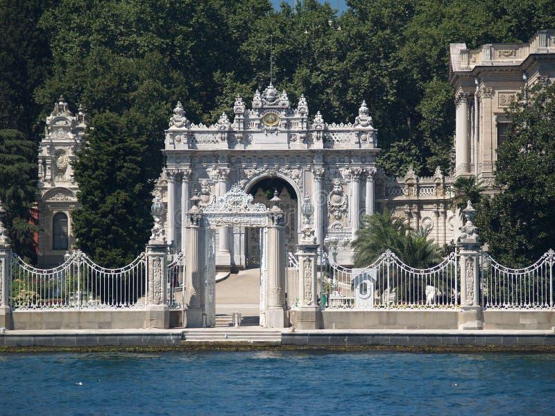 Palácio de Dolmabahce em Istambul fotografia de stock royalty free