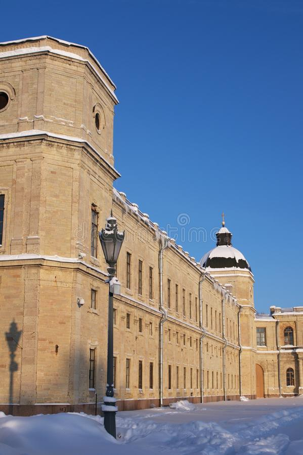 Palácio de Gatchina no inverno imagens de stock