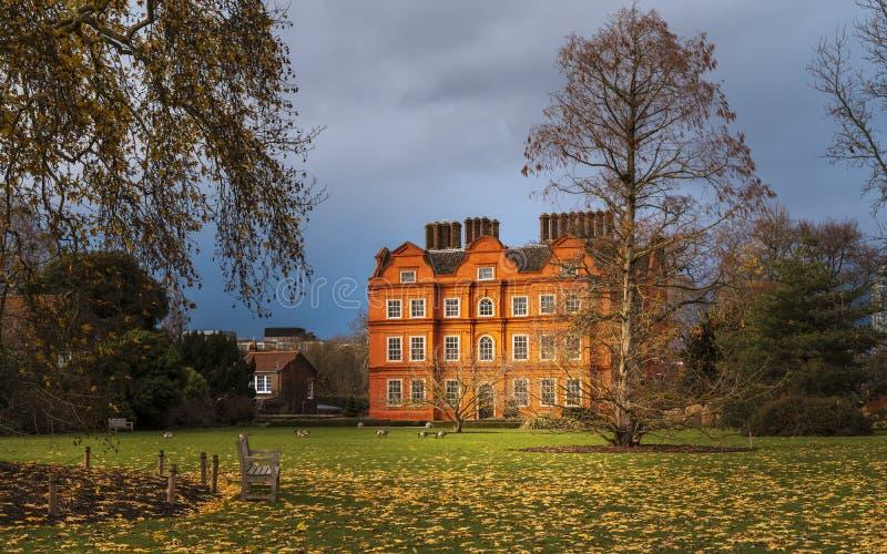 Palácio de Kew, igualmente conhecido como a casa holandesa fotos de stock