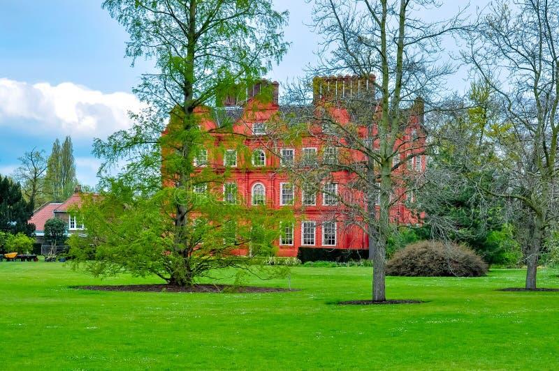 Palácio de Kew no jardim botânico, Londres, Reino Unido foto de stock royalty free