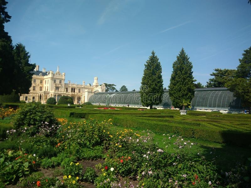 Palácio de Lednice - jardim imagem de stock