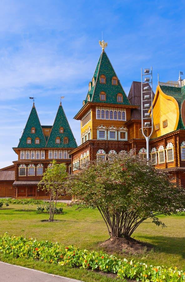 Palácio de madeira do czar Alexey Mikhailovich em Kolomenskoe - Mosco fotos de stock royalty free