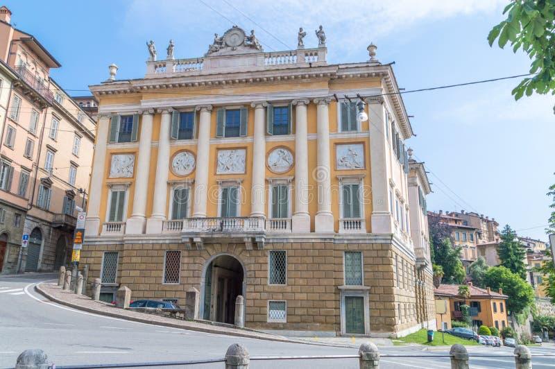 Palácio de Medolago - de Albani na cidade velha de Bergamo fotos de stock royalty free