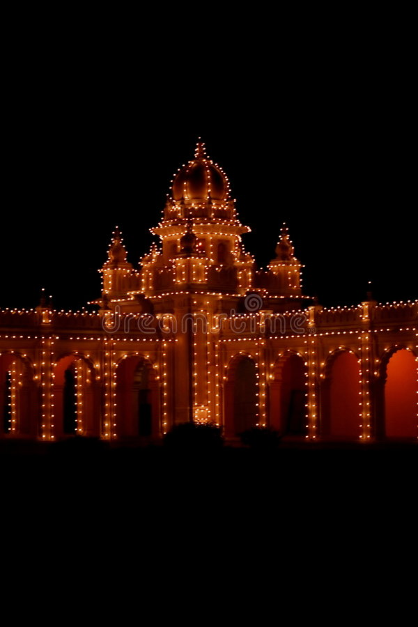 Palácio de Mysore na noite foto de stock royalty free