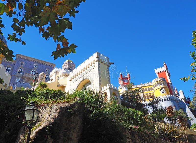 Download Palácio De Pena, Sintra, Portugal Foto de Stock - Imagem de portuguese, arcos: 80100406