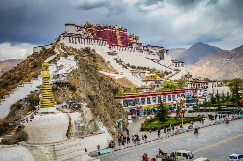 Palácio de Potala em Lhasa, Tibet de China fotografia de stock