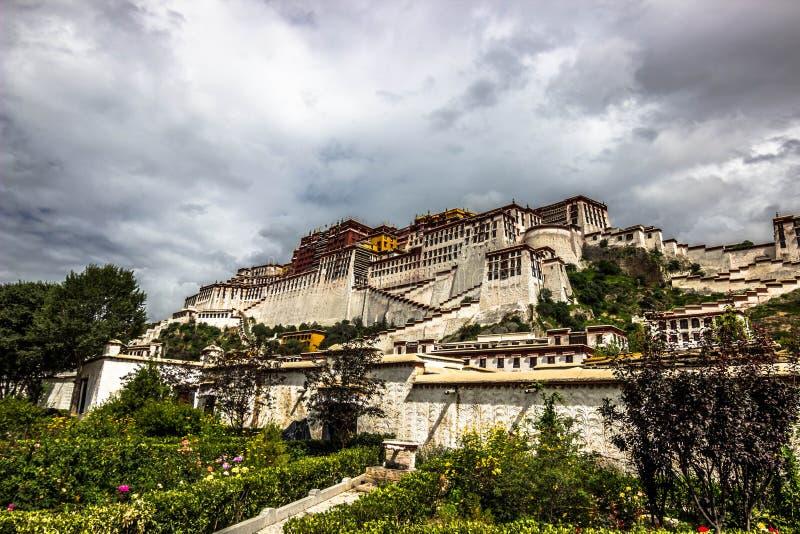 Palácio de Potala, Tibet fotos de stock
