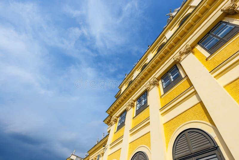 Download Palácio De Schonbrunn Em Viena, Áustria Imagem de Stock - Imagem de jardim, flor: 80102395