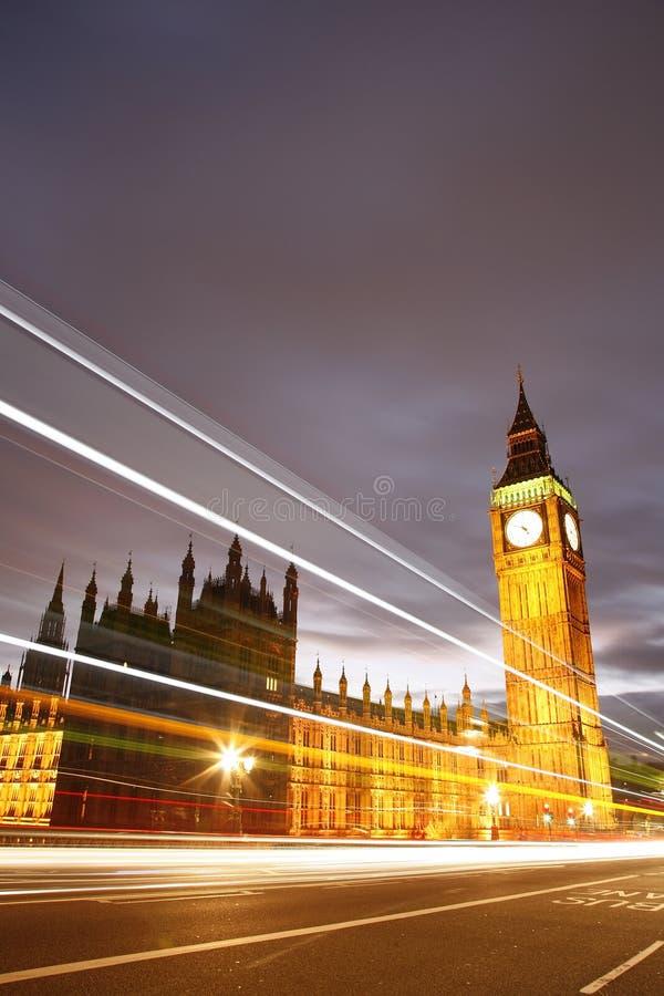 Palácio de Westminster na noite foto de stock royalty free