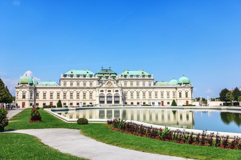 Palácio do Belvedere, Viena em Áustria, opinião do verão foto de stock