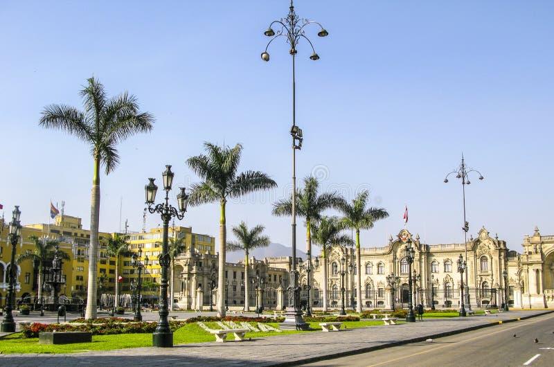 Palácio do governo em Plaza de Armas em Lima, Peru foto de stock