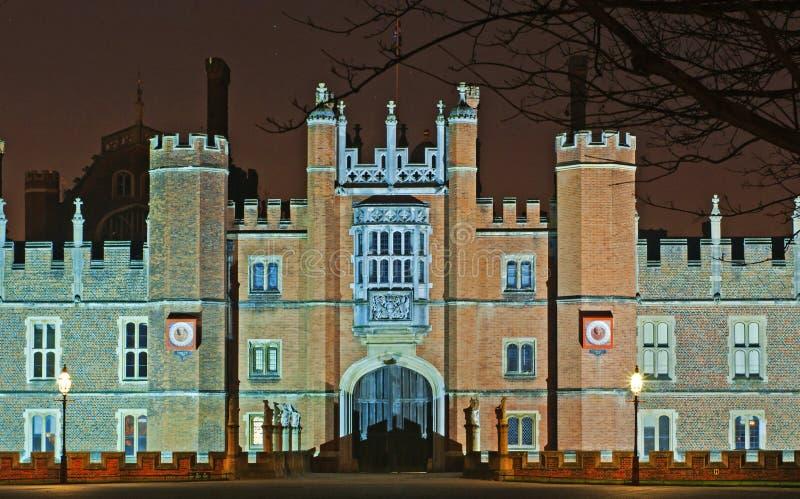Palácio do Hampton Court na noite imagens de stock royalty free