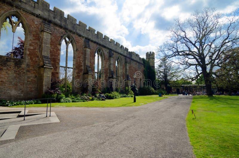 Palácio do ` s do bispo, Wells, Somerset, Inglaterra imagens de stock royalty free
