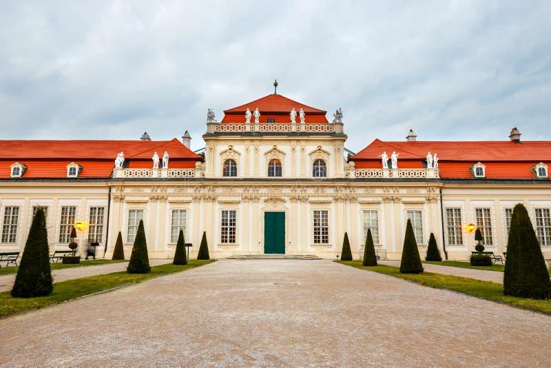 Download Palácio E Jardim Do Belvedere Em Viena Imagem de Stock - Imagem de facade, outdoor: 80102673