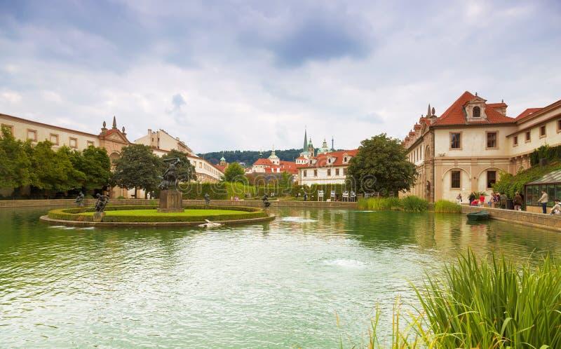 Palácio e jardins de Wallenstein (Waldstein) em Praga, fotos de stock