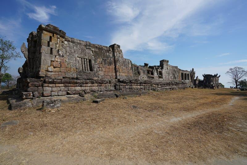 Palácio e terceiro Gopura do templo de Preah Vihear, Camboja fotos de stock royalty free