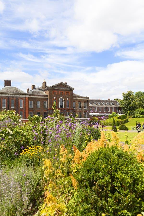 Palácio em jardins de Kensington, Londres de Kensington, Reino Unido fotografia de stock