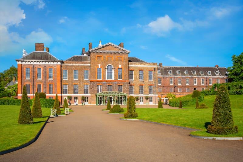 Palácio em jardins de Kensington, Londres de Kensington, Reino Unido foto de stock royalty free