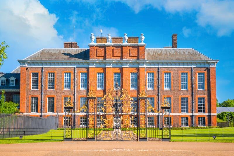 Palácio em jardins de Kensington, Londres de Kensington, Reino Unido fotografia de stock royalty free