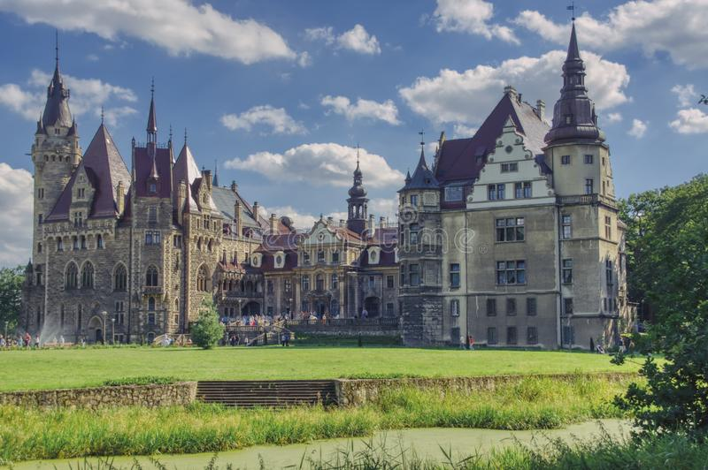 Palácio em Moszna em Silesia fotos de stock
