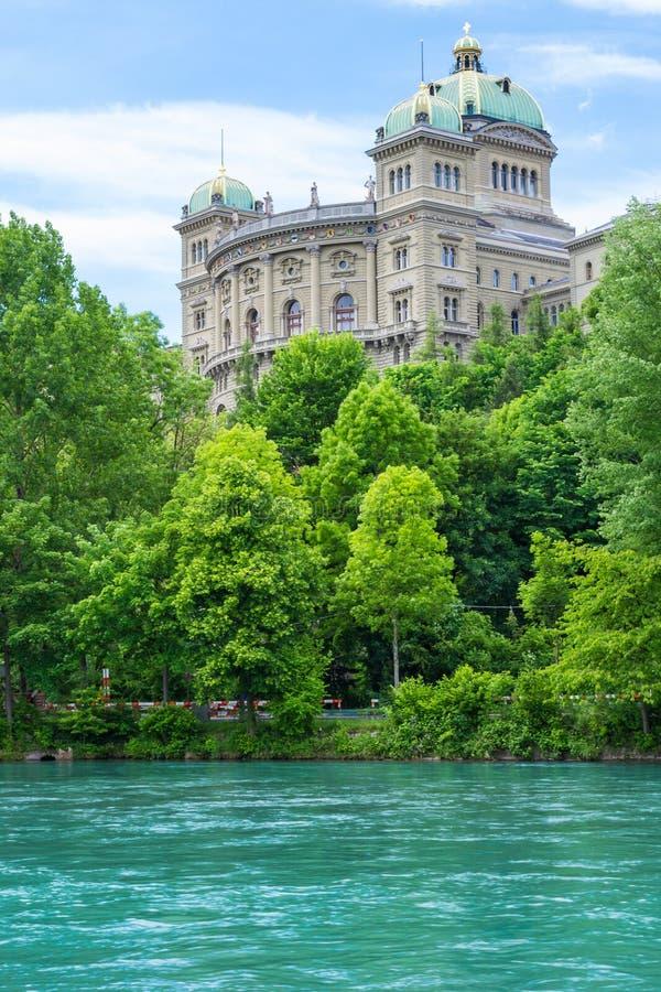 Palácio federal Bundeshaus em Berna, Suíça imagem de stock