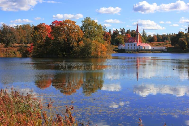 Palácio Gatchina do convento, St Petersburg, Rússia foto de stock
