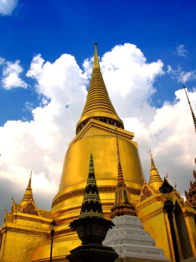 Palácio grande fabuloso e Wat Phra Kaeo - Banguecoque, Tailândia 2 fotografia de stock royalty free
