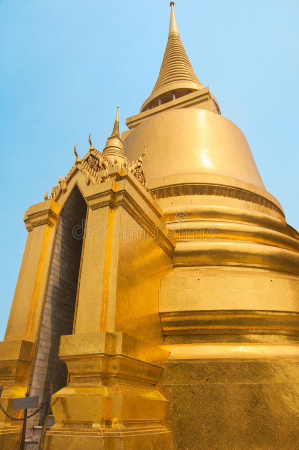 Palácio grande famoso em Banguecoque, Tailândia imagens de stock