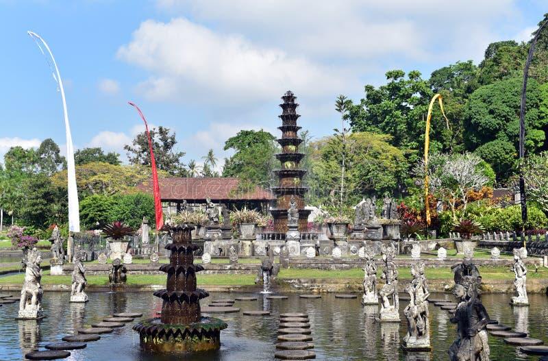 Palácio hindu Tirta Gangga da água do Balinese, ilha de Bali, Indonésia imagem de stock royalty free